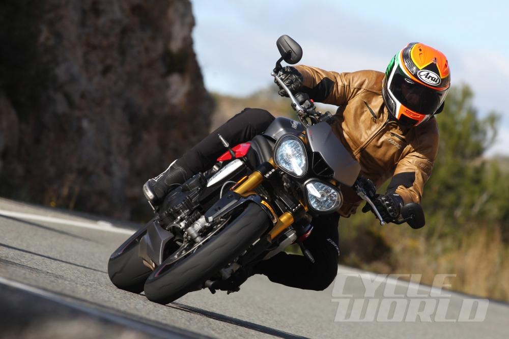 Cận cảnh moto triumph speed triple r 2016 - 1