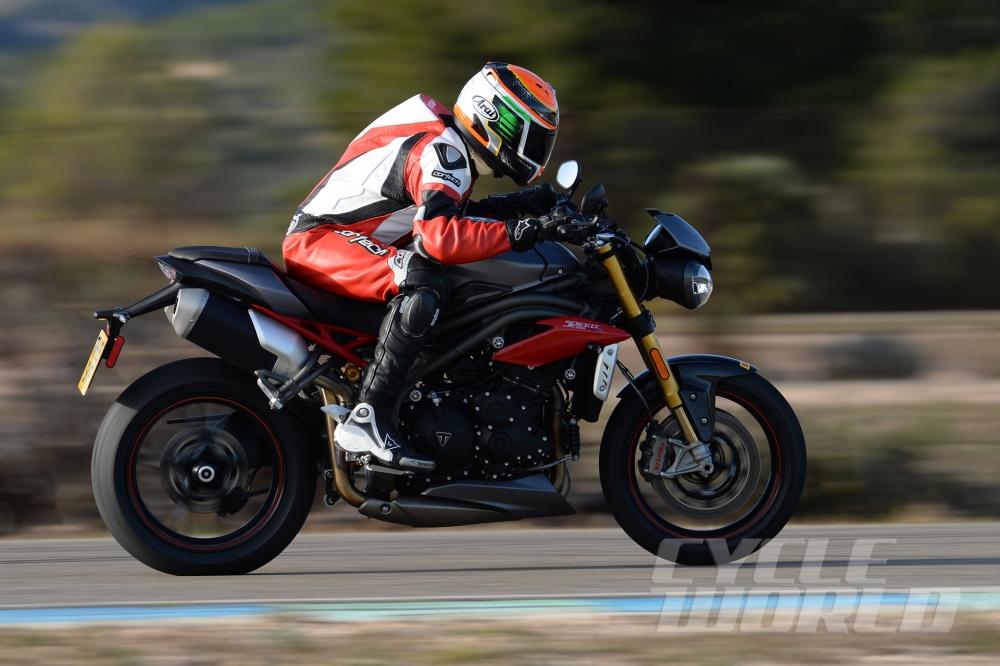 Cận cảnh moto triumph speed triple r 2016 - 20