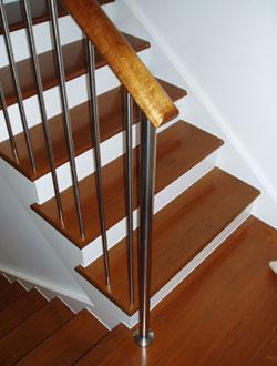 Đẹp với cầu thang gỗ - 1