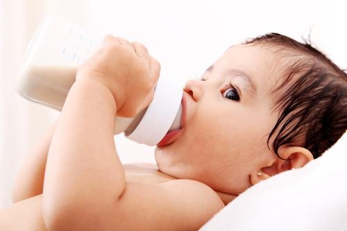 Lần đầu tiên có quy chuẩn sản phẩm dinh dưỡng cho trẻ nhỏ - 1