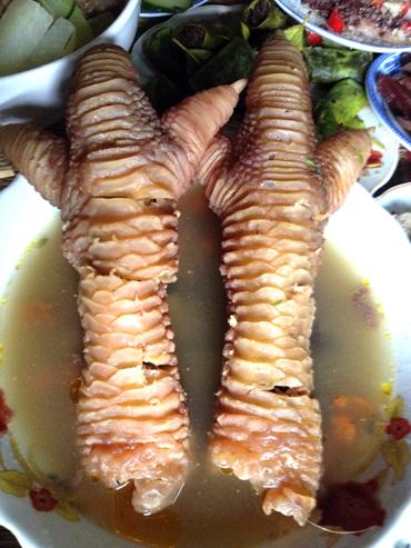 Một con gà đông tảo làm được cả chục món ăn cho ngày tết