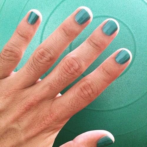 Học đòi nữ giới trào lưu sơn móng tay khiến nam giới phát cuồng - 8