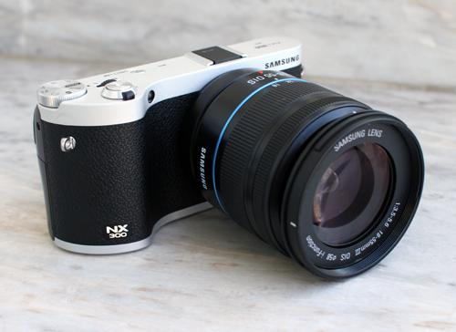 Máy ảnh mirrorless samsung nx300 chụp 3d giá 179 triệu đồng - 1