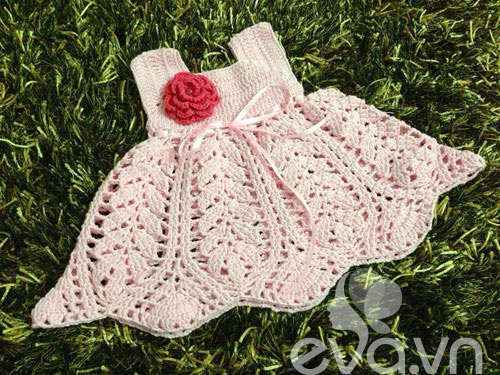 Các mẹ rộ trào lưu đan móc váy áo cho con