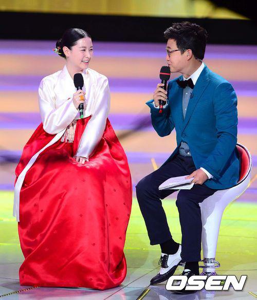Chấm điểm sao hàn mặc áo hanbok truyền thống - 4