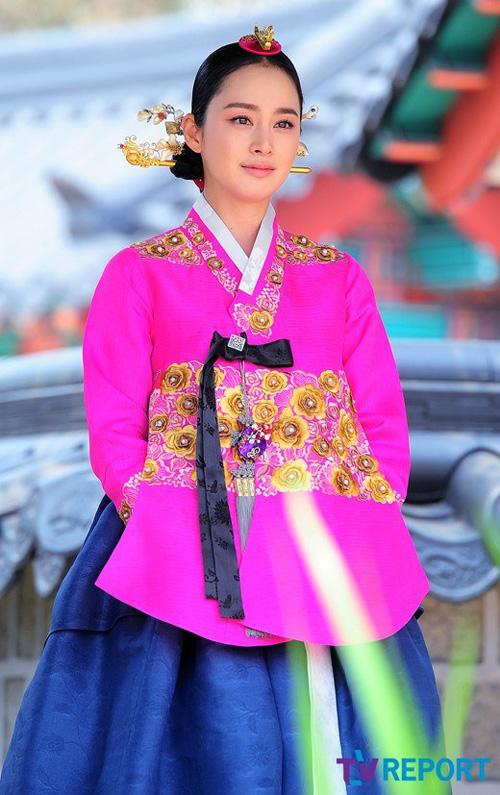 Chấm điểm sao hàn mặc áo hanbok truyền thống - 7