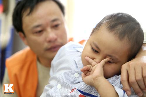 Đắng lòng những em bé ung thư chẳng có tết - 2