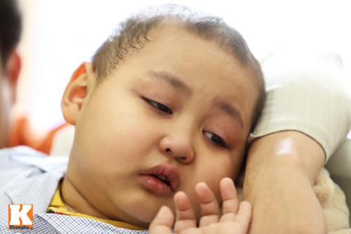 Đắng lòng những em bé ung thư chẳng có tết - 3