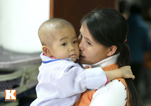 Đắng lòng những em bé ung thư chẳng có tết - 10