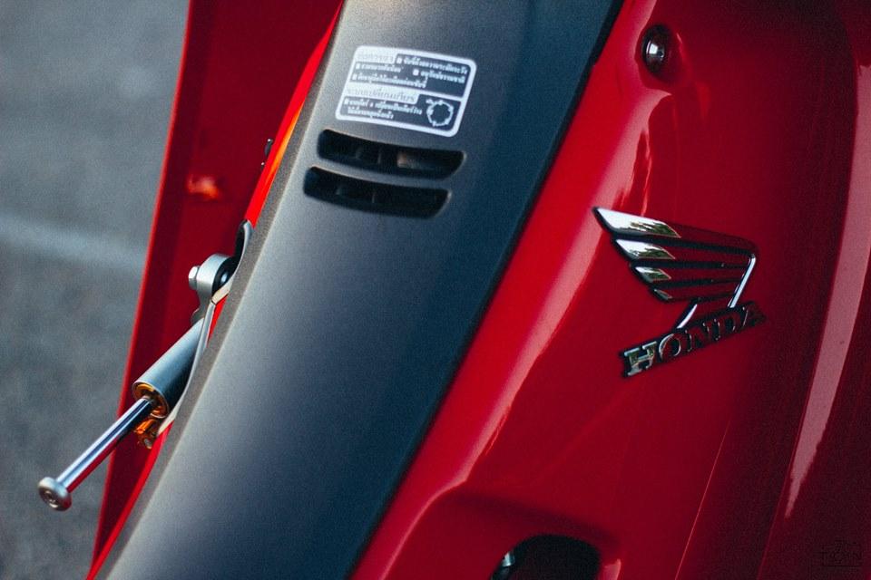 Full bộ ảnh tinh tế về chiếc honda wave s 110 phiên bản red candy