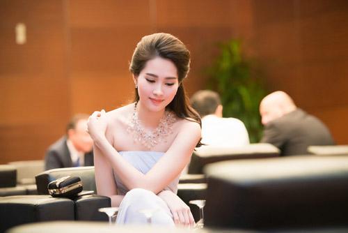 Hoa hậu đặng thu thảo xinh như tiên nữ giáng trần - 5