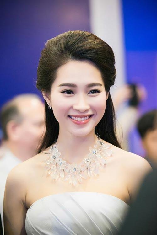 Hoa hậu đặng thu thảo xinh như tiên nữ giáng trần - 8
