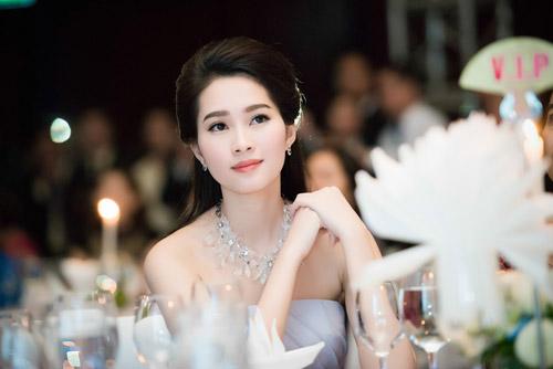 Hoa hậu đặng thu thảo xinh như tiên nữ giáng trần - 10