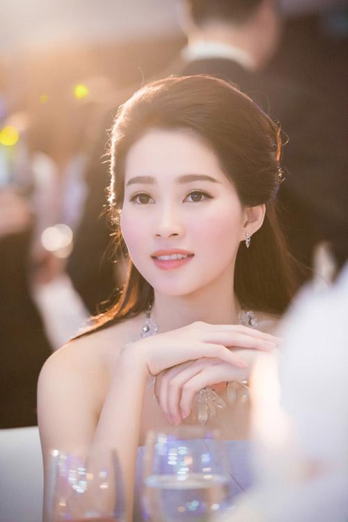 Hoa hậu đặng thu thảo xinh như tiên nữ giáng trần - 12