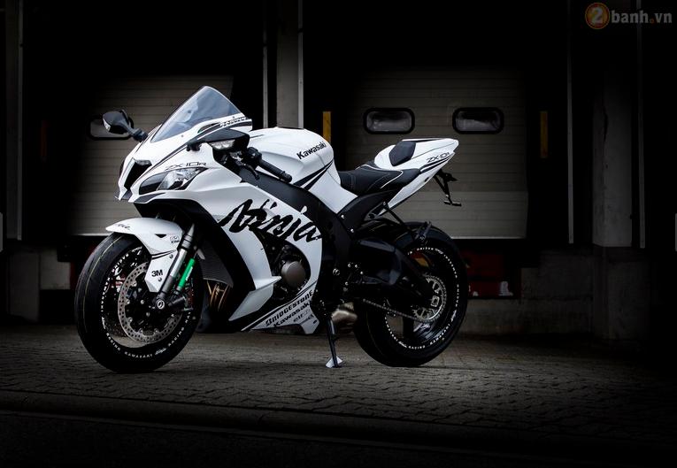 Kawasaki ninja zx-10r 2016 đầy phong cách trong bản độ white matt