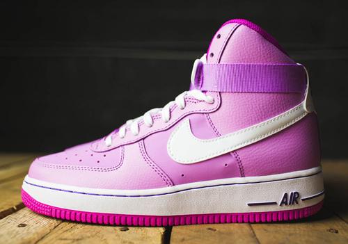 Khảo giá những đôi sneaker khiến mọi cô gái mê mệt - 12