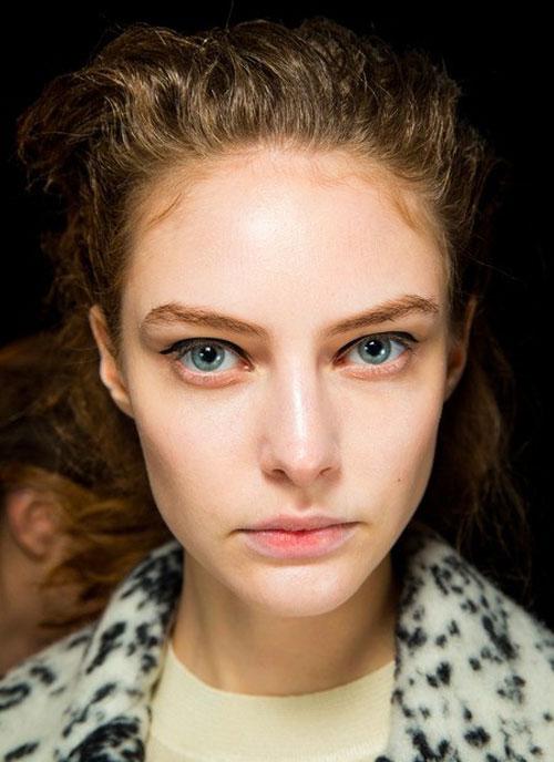Kiểu trang điểm giúp đôi mắt to tròn hơn - 5