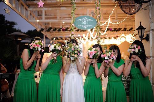 Lạc vào thế giới của các nàng phù dâu xinh đẹp - 1