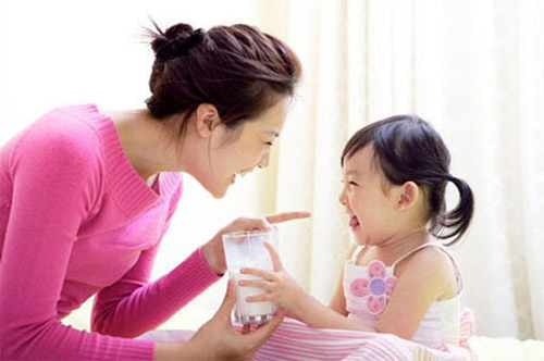 Mẹ dại mới mua sữa ngoại cho con - 1