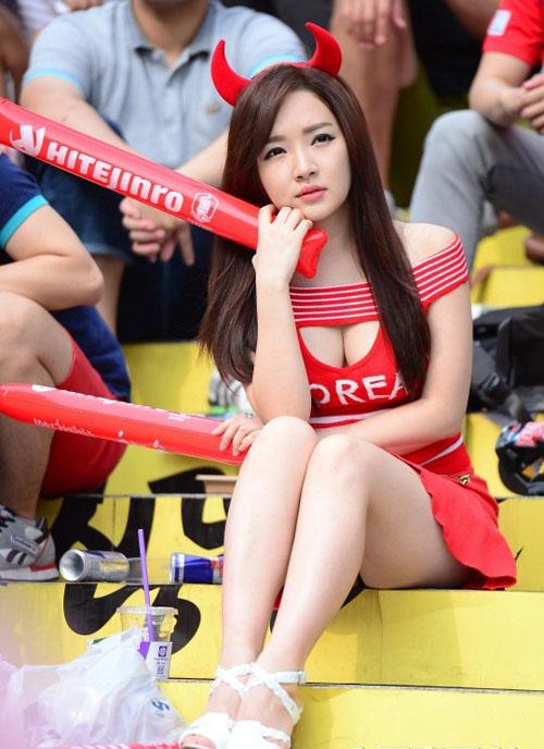 Ngất ngây vẻ đẹp của fan nữ hàn quốc tại world cup - 10