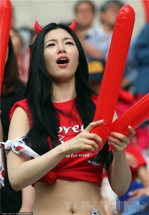 Ngất ngây vẻ đẹp của fan nữ hàn quốc tại world cup - 16
