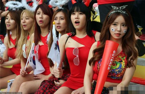 Ngất ngây vẻ đẹp của fan nữ hàn quốc tại world cup - 18