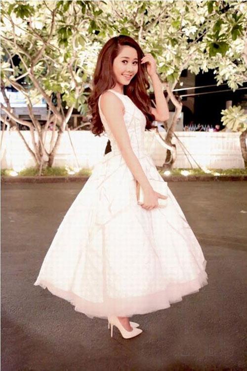 Người đẹp việt bỗng lùn tịt vì mốt váy phồng - 6