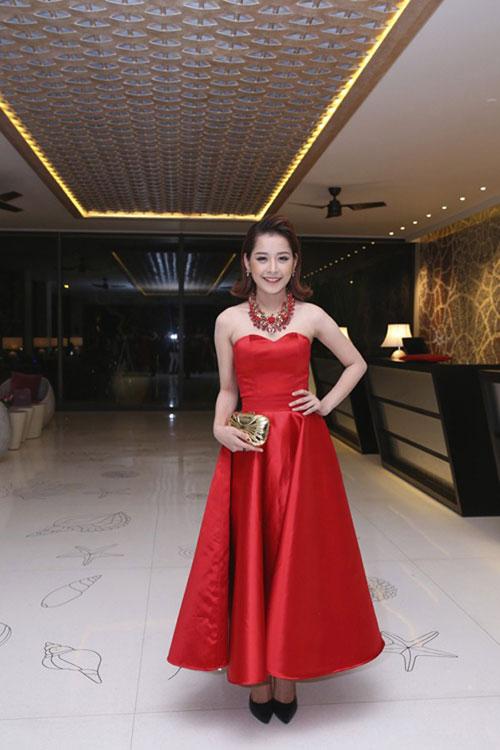 Người đẹp việt bỗng lùn tịt vì mốt váy phồng - 8