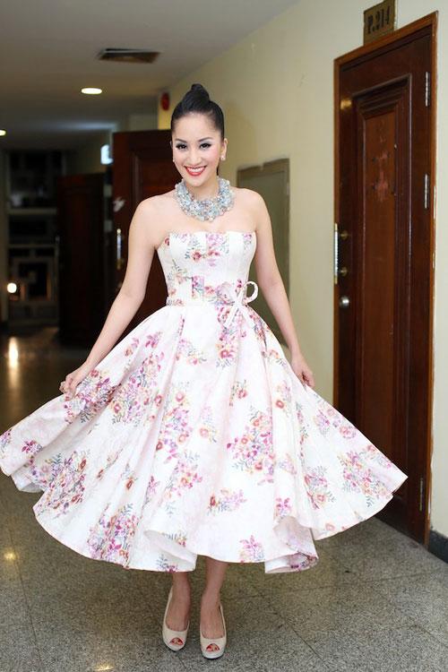 Người đẹp việt bỗng lùn tịt vì mốt váy phồng - 9