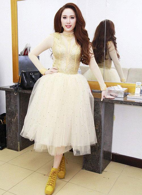 Người đẹp việt bỗng lùn tịt vì mốt váy phồng - 12