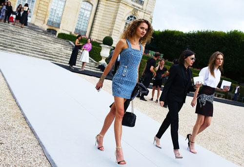 Phong cách đường phố thú vị tại paris haute couture fw - 5