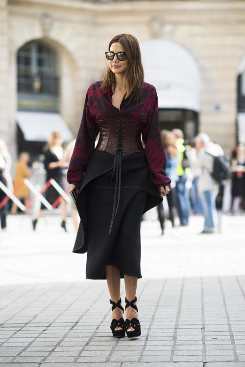 Phong cách đường phố thú vị tại paris haute couture fw - 17