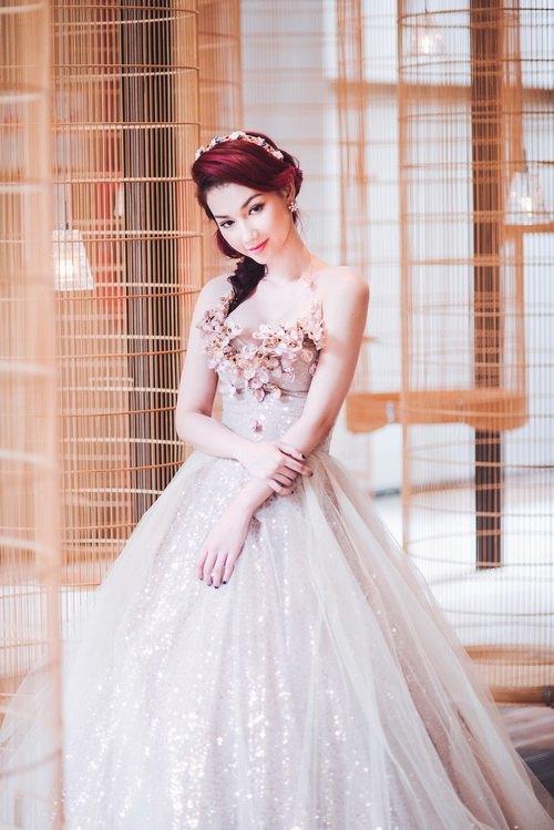 Quỳnh chi làm cô dâu gợi cảm khôn xiết sau ly hôn - 4