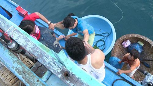 Tập 13 bố ơi hoàng bách rách quần vì đi đánh cá biển - 1