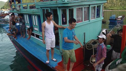Tập 13 bố ơi hoàng bách rách quần vì đi đánh cá biển - 12
