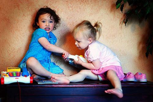 Vì sao tôi không dạy con chia sẻ đồ chơi với bạn khác - 1
