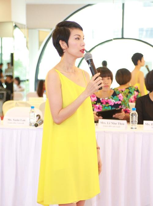 Xuân Lan diện style váy ngủ đi làm giám khảo - HOCHOIMOINGAY com