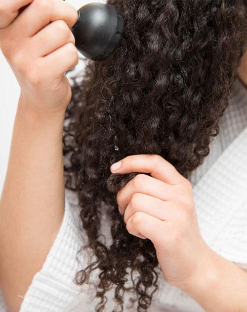 15 mẹo giữ nếp tóc xoăn không cần sấy - 6