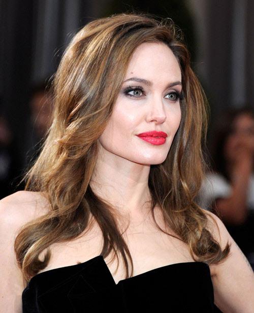 2 màu son ruột của người phụ nữ đẹp nhất thế giới - 2
