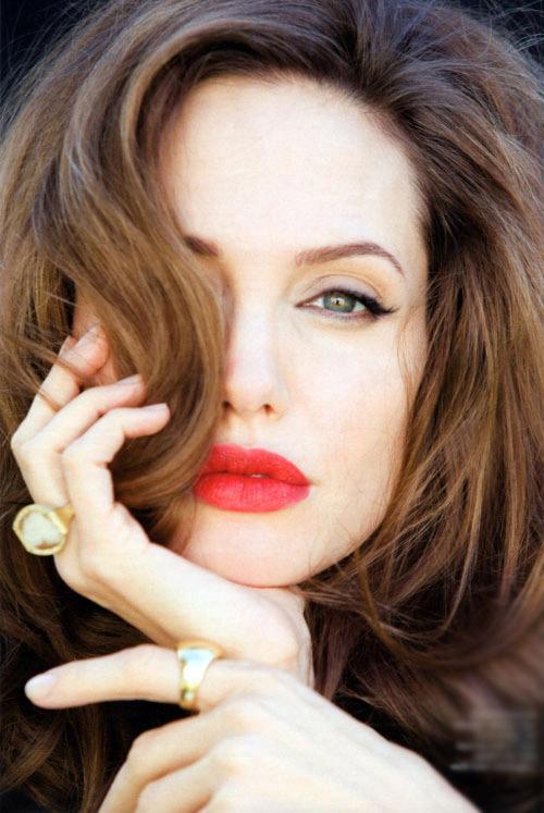 2 màu son ruột của người phụ nữ đẹp nhất thế giới - 4