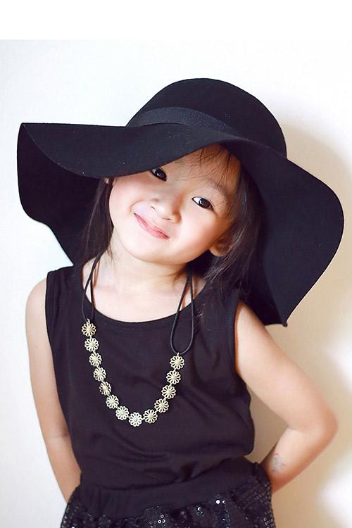 Bé gái sài gòn sở hữu tủ quần áo hàng trăm món tuyệt đẹp - 2
