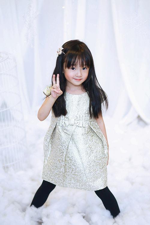 Bé gái sài gòn sở hữu tủ quần áo hàng trăm món tuyệt đẹp - 13