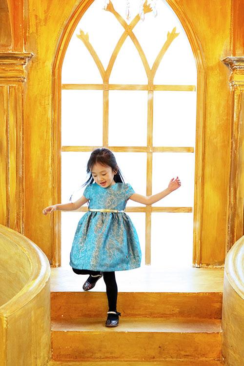 Bé gái sài gòn sở hữu tủ quần áo hàng trăm món tuyệt đẹp - 17