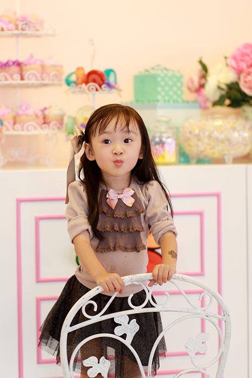 Bé gái sài gòn sở hữu tủ quần áo hàng trăm món tuyệt đẹp - 19