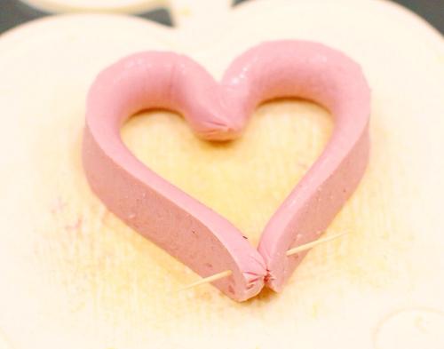Bữa sáng lãng mạn với trái tim trứng cho valentine - 3