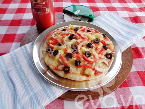 Cách nướng pizza bằng chảo siêu ngon - 9