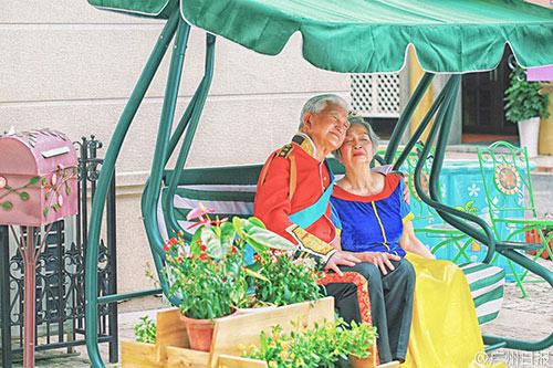 Cặp đôi hậu duệ mặt trời phiên bản siêu đẹp lão - 4