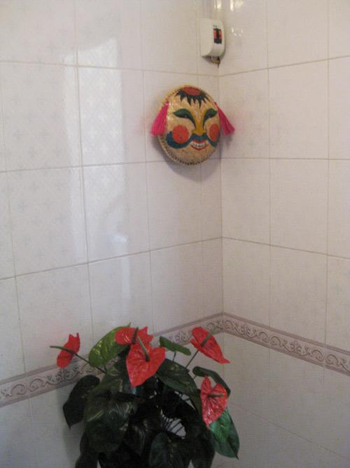 Chàng úc choáng với nhà vệ sinh kiểu việt nam - 8