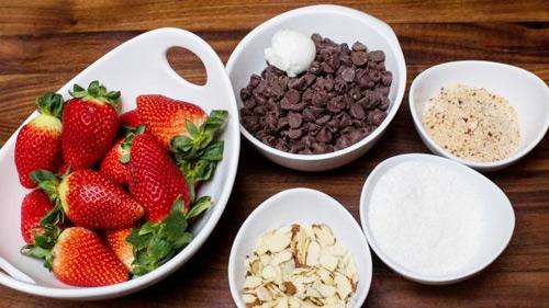 Chocolate bọc dâu tây cho valentine thêm tình tứ - 1
