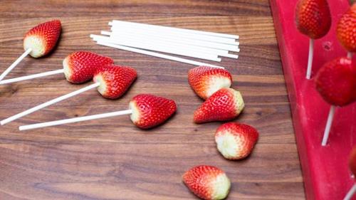 Chocolate bọc dâu tây cho valentine thêm tình tứ - 3